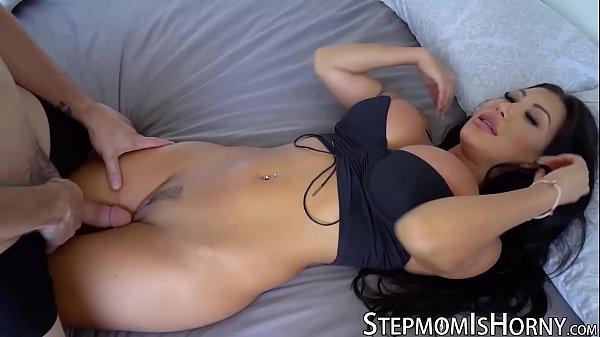Oriental gostosa em sexo quente pela manhã