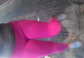 Vizinha do bucetão sem calcinha na rua